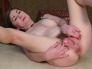Ophelia Rosenburg's cunt is always ready in the matter of be teased nicely