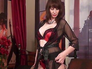 Gaffer simply MILF in black panties plays with her hard nipples sensually
