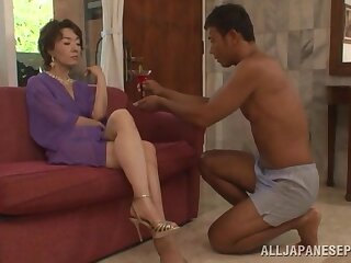 Trimmed pussy Asian mature Kei Marimura moans while getting smashed
