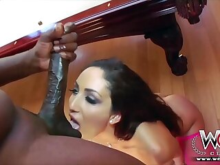 Tight white non-specific gets insanely fucked by the Steele