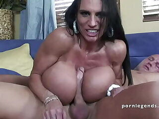 Lisa Lipps Has A Nice Pair Be worthwhile for Monster Tits !