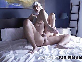 Alluring Arabic MILF hardcore sex video