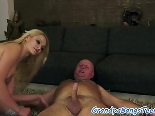Oldman fucks eurobabe in stockings