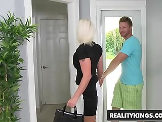RealityKings - Milf Hunter - Going In