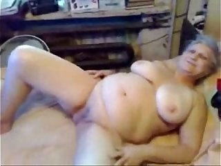 This horny granny is really a slut ! Amateur older