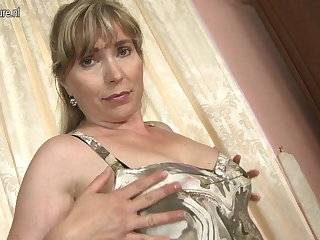 Amateur MILF almost hungry prudish vagina