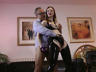 Kinky latex girl makes his amulet making love dreams come true