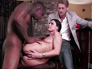 Despondent join in matrimony tries cuckold sexual connection with a hyacinthine alms-man