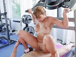 Fit fit together ends not far from fucking with the trainer during her backstage