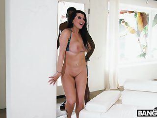Busty MILF Romi Rain takes BBC like a champ and she got an pain in the neck on will not hear of