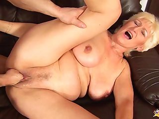 68 years aged mom rough fist fucked