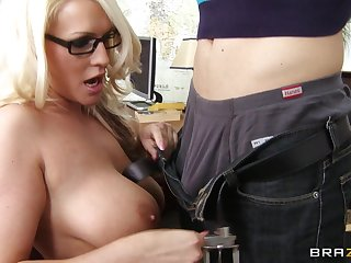 Married muff Sadie Swede spreads her legs for balls deep anal