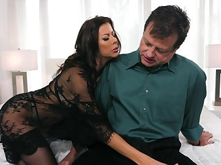 Hungry MILF sucks like no other increased by gives some killer titjob