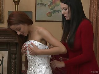 Reagan Foxx and Vanna Bardot drop their clothes with reference to have nice sex