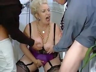 Opa Zählt (Wer ist sie)? double penetration