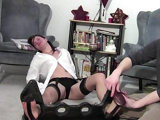 Nylon Feet 01