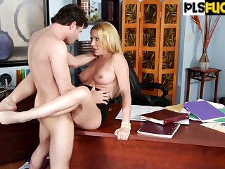 Hot Office MILF hardcore porn video