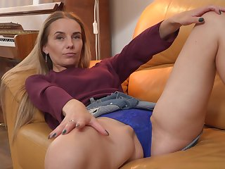 Tall Eastern European confoundedly loves to please their way dick starved hot pussy
